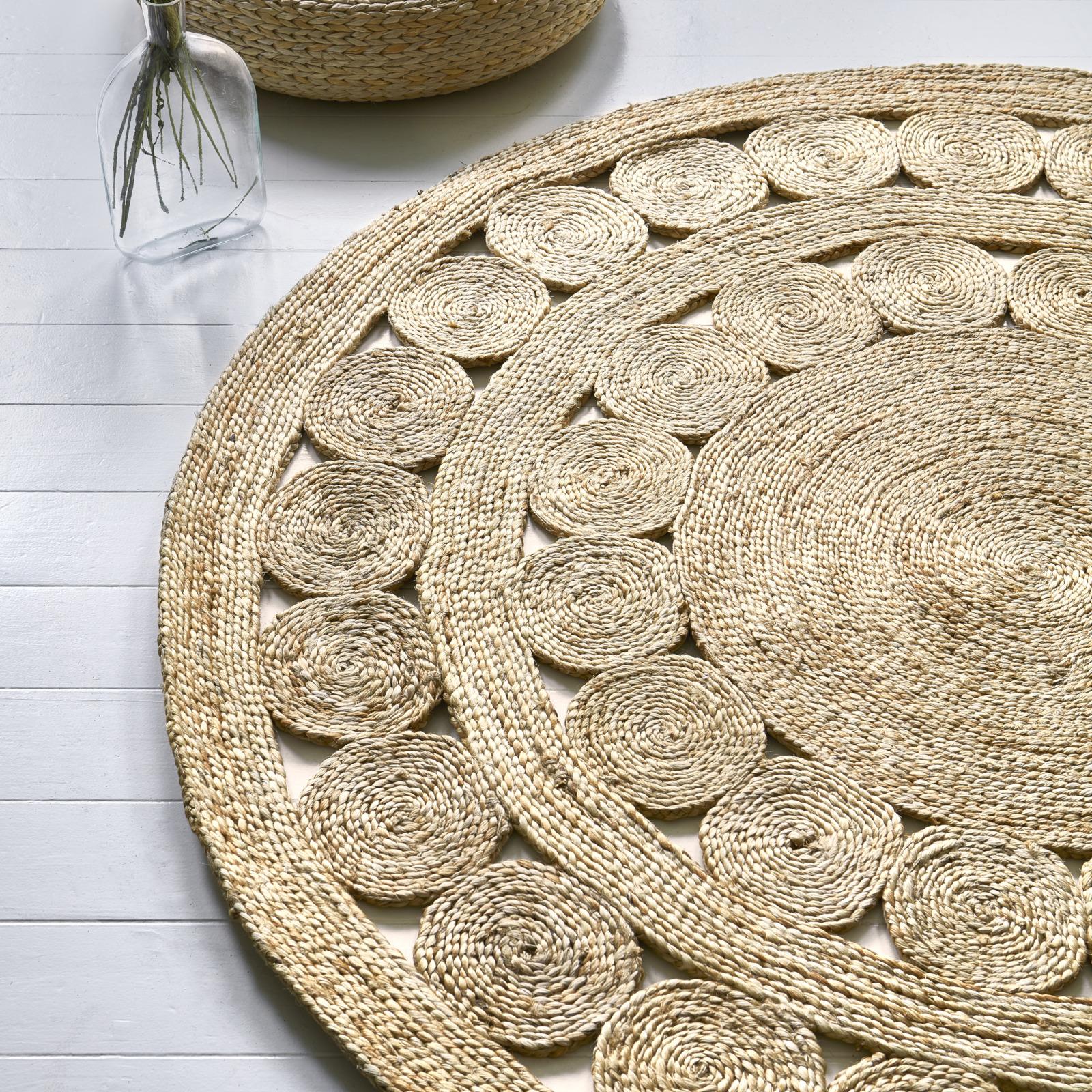 Zira-003_Spiro-2-rugs.jpg